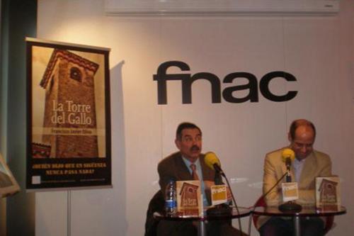 24 DE FEBRERO 2012<BR>Presentación La Torre del Gallo en FNAC (Sevilla)