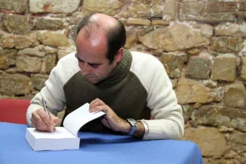 Firma de ejemplares del libro El cooperante en Sigüenza