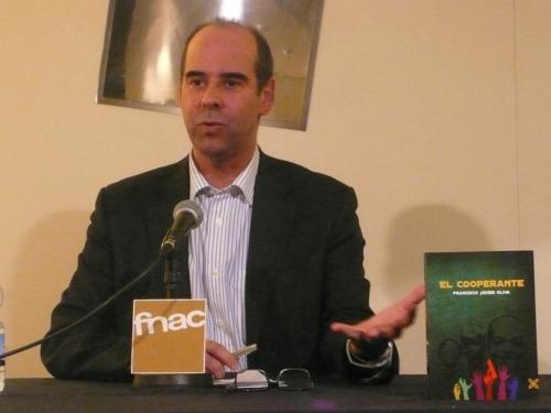 Presentación del libro El cooperante en Zaragoza